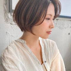 レイヤーボブ ミニボブ 小顔ショート シースルーバング ヘアスタイルや髪型の写真・画像