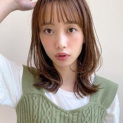 ミディアム アンニュイほつれヘア 毛先パーマ ナチュラル ヘアスタイルや髪型の写真・画像
