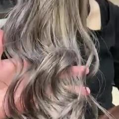 ホワイトブリーチ ガーリー ホワイトシルバー ホワイトベージュ ヘアスタイルや髪型の写真・画像