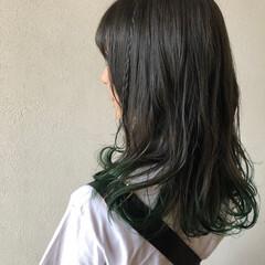 ミディアム オリーブアッシュ インナーカラー ヘアアレンジ ヘアスタイルや髪型の写真・画像