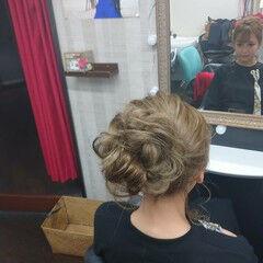 セミロング 結婚式ヘアアレンジ ふわふわヘアアレンジ 結婚式 ヘアスタイルや髪型の写真・画像