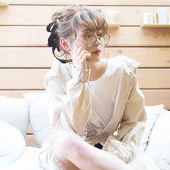 ミディアム ガーリー 大学生 簡単ヘアアレンジ ヘアスタイルや髪型の写真・画像