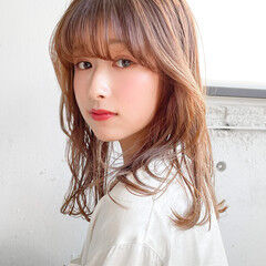 韓国ヘア セミロング ひし形シルエット シアーベージュ ヘアスタイルや髪型の写真・画像