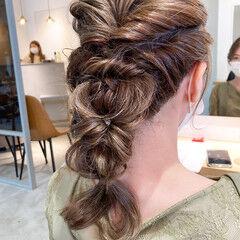 結婚式ヘアアレンジ ナチュラル 簡単ヘアアレンジ ミルクティーブラウン ヘアスタイルや髪型の写真・画像