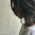 アンニュイほつれヘア グレージュ ミディアム 濡れ髪スタイル