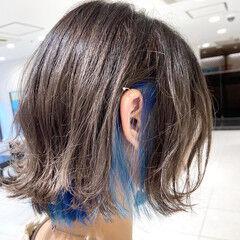ブルー フェミニン インナーカラー インナーカラーグレージュ ヘアスタイルや髪型の写真・画像