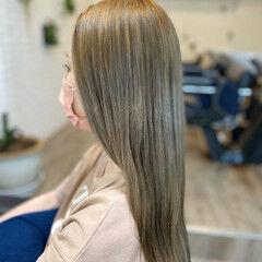 ブリーチ ナチュラル シルバー ハイトーンカラー ヘアスタイルや髪型の写真・画像