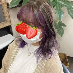 ミディアム ガーリー インナーカラー インナーカラーパープル ヘアスタイルや髪型の写真・画像