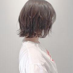 外ハネボブ ボブ ナチュラル くすみカラー ヘアスタイルや髪型の写真・画像