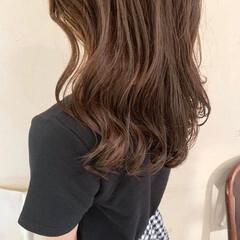 コテ巻き風パーマ ゆるふわパーマ セミロング 大人かわいい ヘアスタイルや髪型の写真・画像