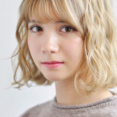 ウェーブ ゆるウェーブ ヘアアレンジ ブリーチ ヘアスタイルや髪型の写真・画像