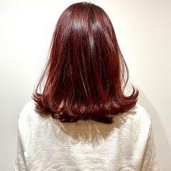 ミディアム ガーリー チェリーレッド チェリーピンク ヘアスタイルや髪型の写真・画像
