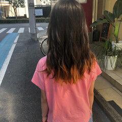裾カラー 裾カラーオレンジ ダブルカラー セミロング ヘアスタイルや髪型の写真・画像