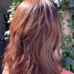 ピンク ピンクベージュ ピンクアッシュ ミディアム ヘアスタイルや髪型の写真・画像