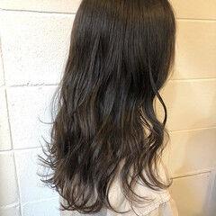 カーキアッシュ ナチュラルベージュ ロング ブラウンベージュ ヘアスタイルや髪型の写真・画像