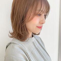 ナチュラル くびれカール 透明感 鎖骨ミディアム ヘアスタイルや髪型の写真・画像