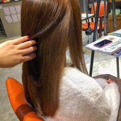 インナーカラー セミロング ミルクティーベージュ レイヤードカラー ヘアスタイルや髪型の写真・画像