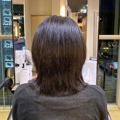 ウルフカット 絶壁カバー ミディアムレイヤー ミディアム ヘアスタイルや髪型の写真・画像