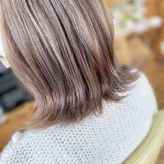 ナチュラル ミディアム ミルクティー ミルクティーグレー ヘアスタイルや髪型の写真・画像