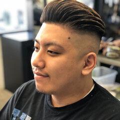 ショート ストリート フェードカット ポンパドール ヘアスタイルや髪型の写真・画像