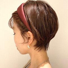 ナチュラル カチューシャ ショート 耳かけ ヘアスタイルや髪型の写真・画像