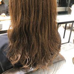 ナチュラル カーキアッシュ デジタルパーマ 大人かわいい ヘアスタイルや髪型の写真・画像