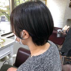 ショート ショートヘア 流し前髪 ナチュラル ヘアスタイルや髪型の写真・画像