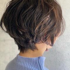 ゆるナチュラル 大人ショート 大人かわいい ゆるふわパーマ ヘアスタイルや髪型の写真・画像