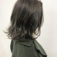外国人風カラー デート カーキアッシュ フェミニン ヘアスタイルや髪型の写真・画像