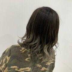 ブリーチ コテ巻き ホワイトベージュ ホワイトグラデーション ヘアスタイルや髪型の写真・画像