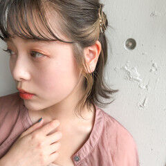 簡単ヘアアレンジ インナーカラー 切りっぱなしボブ ナチュラル ヘアスタイルや髪型の写真・画像