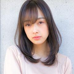 ミディアム コンサバ ミディアムレイヤー デジタルパーマ ヘアスタイルや髪型の写真・画像