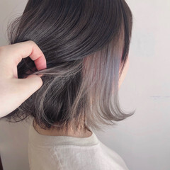 インナーカラー グレージュ フェミニン スポーツ ヘアスタイルや髪型の写真・画像
