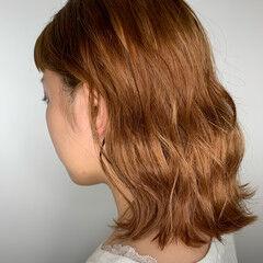 アプリコットオレンジ オレンジブラウン オレンジカラー ミディアム ヘアスタイルや髪型の写真・画像