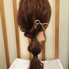 ローポニーテール ロング ヘアアレンジ ナチュラル ヘアスタイルや髪型の写真・画像