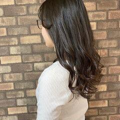 イルミナカラー ロング ナチュラル 前髪あり ヘアスタイルや髪型の写真・画像