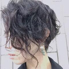 モード クール ショート パーマ ヘアスタイルや髪型の写真・画像
