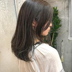 暗髪女子 ナチュラル ミディアム ベージュカラー ヘアスタイルや髪型の写真・画像