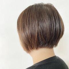 前下がりヘア カーキアッシュ 前下がり 前下がりボブ ヘアスタイルや髪型の写真・画像