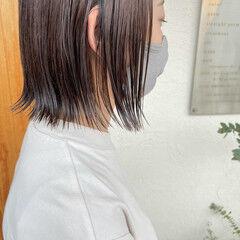 グレージュ ボブ 切りっぱなしボブ 伸ばしかけ ヘアスタイルや髪型の写真・画像