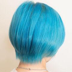 ブルー ショート ブリーチカラー 派手髪 ヘアスタイルや髪型の写真・画像