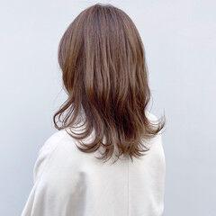 シアーベージュ ミディアム 大人ヘアスタイル ナチュラル ヘアスタイルや髪型の写真・画像