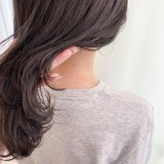 グレージュ グレーアッシュ アッシュグレー 透明感 ヘアスタイルや髪型の写真・画像