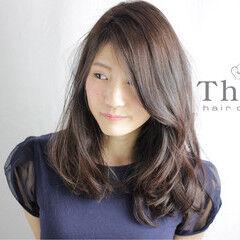 セミロング 透明感 艶髪 ナチュラル ヘアスタイルや髪型の写真・画像