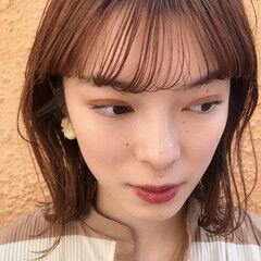 ミディアム フェミニン 透明感 前髪 ヘアスタイルや髪型の写真・画像