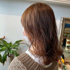 シアーベージュ フェミニン ミルクティーベージュ ミディアム ヘアスタイルや髪型の写真・画像