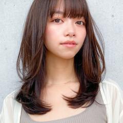 小顔 鎖骨ミディアム コンサバ レイヤー ヘアスタイルや髪型の写真・画像