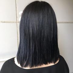 ミディアム ネイビーカラー ネイビーアッシュ 切りっぱなしボブ ヘアスタイルや髪型の写真・画像