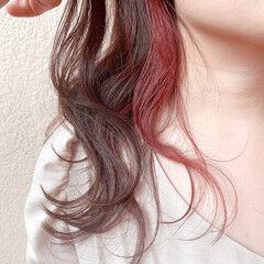 デート イヤリングカラー アンニュイほつれヘア ナチュラル ヘアスタイルや髪型の写真・画像