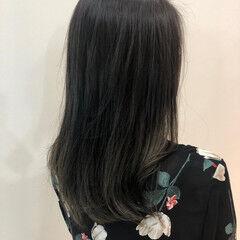 エレガント アッシュ グラデーションカラー セミロング ヘアスタイルや髪型の写真・画像